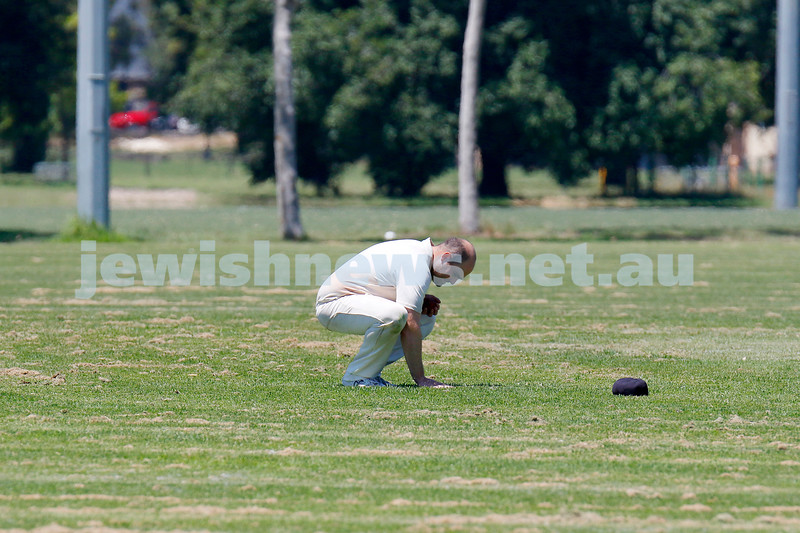 10-1-21. Maccabi cricket first XI v Old Camberwell Grammarians at Albert Park. Mark Soffer prepares himself before bowling for a hat trick. Photo: Peter Haskin