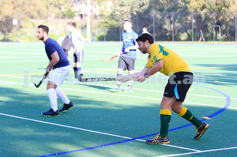 14-6-20. Maccabi Hockey club, seniors and juniors,  return to training at Albert Park after COVID 19 lock down. Photo: Peter Haskin