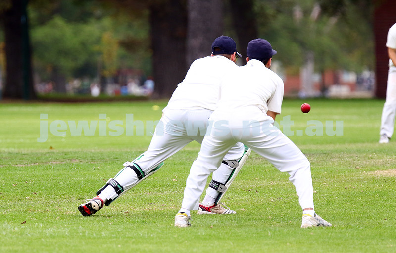 13-3-16. Maccabi Third XI grand final v Bentleigh at Fawkner Park. Photo: Peter Haskin