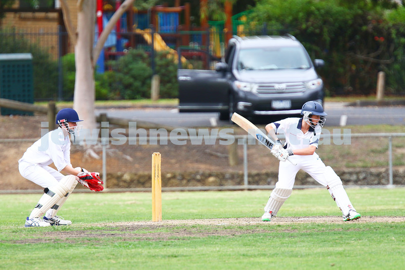 13-3-16. Maccabi U 15 cricket grand final day 1 at Pinewood Oval. Photo: Peter Haskin
