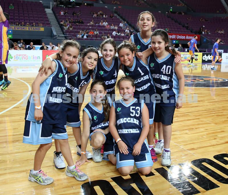 Maccabi U10 Mercury vs Inner City at The Sydney Entertainment Centre. Maccabi lost 36-4. Team Pic.