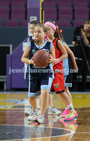 Maccabi U10 Mercury vs Inner City at The Sydney Entertainment Centre. Maccabi lost 36-4. Samantha Kagan with the ball.