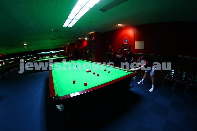 18-6-15. Maccabi snooker club. Eight ball and snooker competition at Kings Entertainment. Photo: Peter Haskin