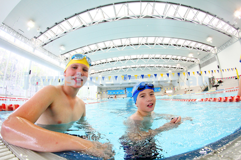 29-11-15. Maccabi Victoria swimathon at Bialik College. Photo: Peter Haskin