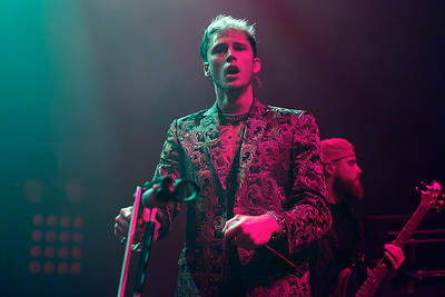 Machine Gun Kelly live at Fillmore Detroit on 11-17-16.  Photo credit: Ken Settle