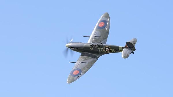 1943 Supermarine Spitfire MK 1XB in flight - The Goodwood Revival 2017