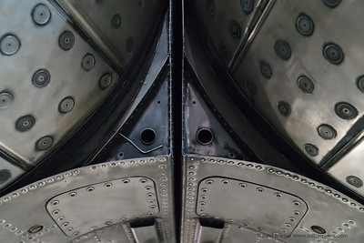 Concorde - Metalwork between twin engine exhausts