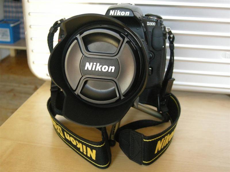 NIKON D300 & AF-S NIKKOR 18-200mm (27-300mm)