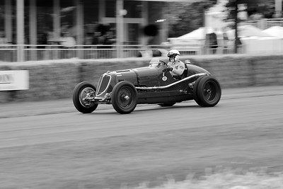 Maserati 8CM 1934 3 litre supercharged straight 8 Chris Jaques - Robert Newall