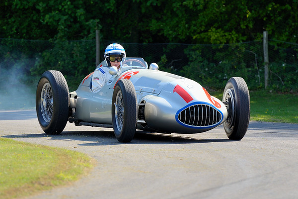 John Surtees driving the Mercedes-Benz W165 1939 1.5 litre Supercharged V8