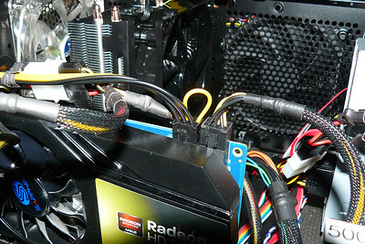 New CPU COOLER Hyper212 looking over video card