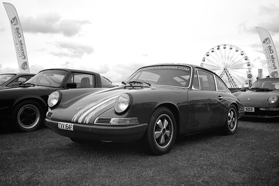 1968 Porsche 911 at the Silverstone Classic 2017 bw