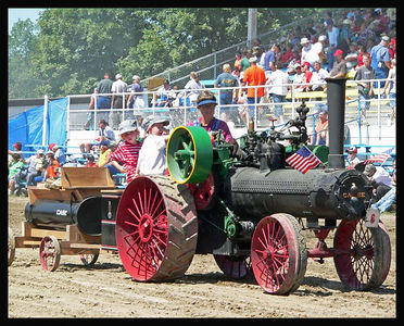 Steam Traction - Old Threshers 2005