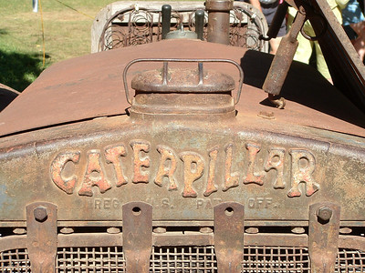 I like how Caterpillar designed its logo to emulate the actual movement of a caterpillar.
