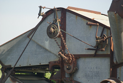 Threshing machine near Burt, IA.