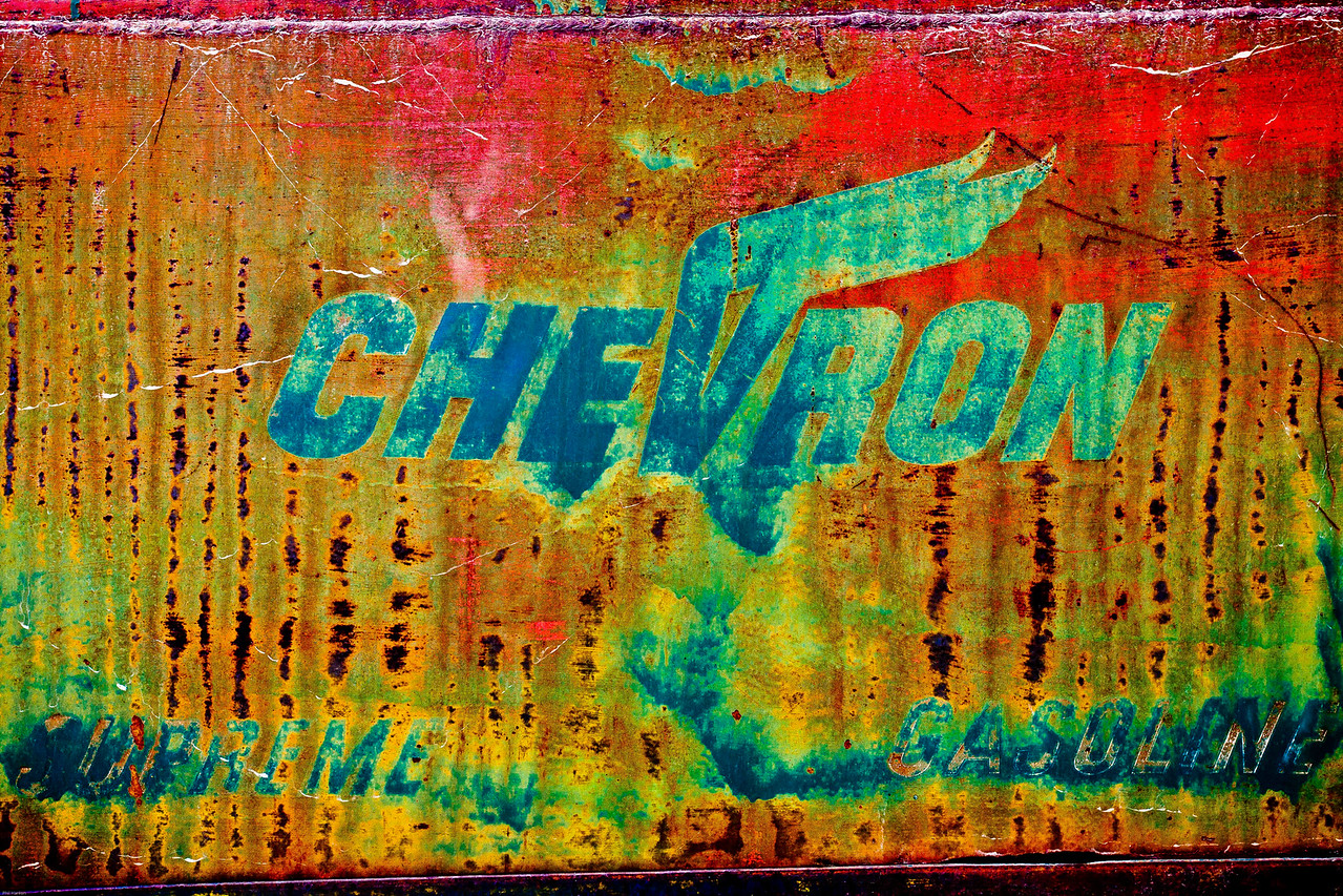 Chevron, Saturated.