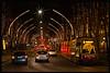 Verkehr bei Weihnachtsbeleuchtung