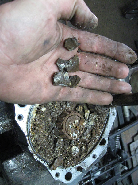 those bits in my hand are what used to be the lube inside the gearbox, somewhat solidified!