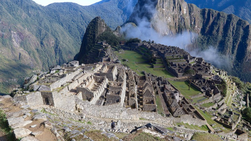 There is no mortar in between those stones. All are carved to fit exactly where they are placed. Machu Picchu.