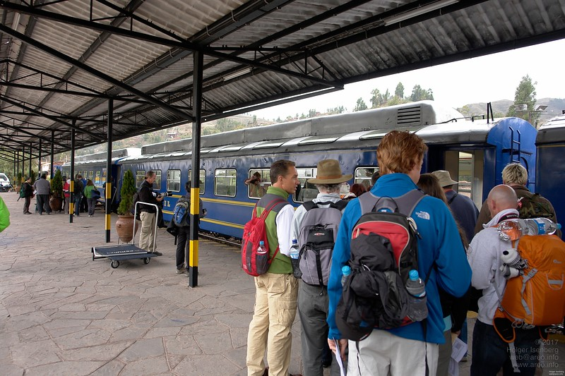 The trains to Machu Picchu start todays at Poroy, 9km from downtown Cusco and need 3h for the distance. This is the basic service train (Expedition class) but still with air-condition and small bar.
