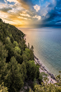 A common viewed vantage point at Arch Rock.  Mackinac Island, Michigan