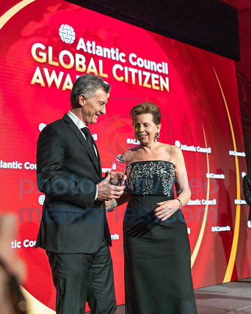 Argentine President Macri receives Global Citizen Award