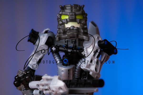 CU002 Bionicles