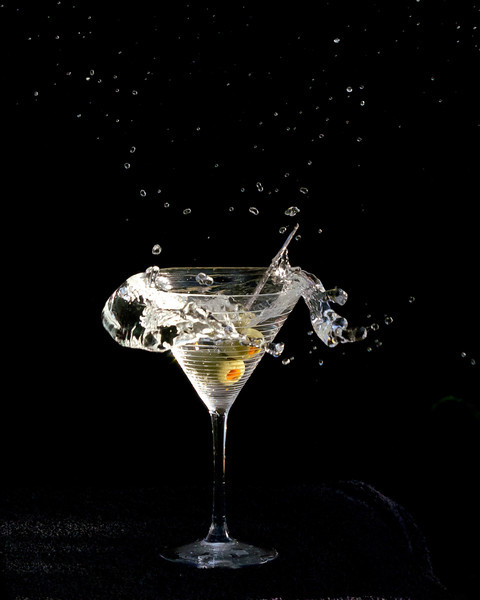 Two-handed martini