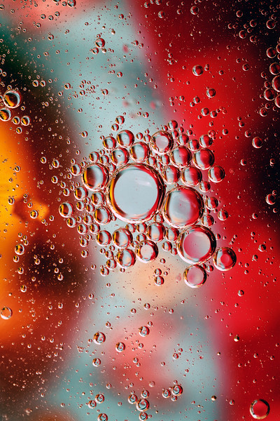 <b>Sparkling Oil #2</b> <i>Canon EOS 5D Mark II + Canon EF 100mm f/2.8 Macro USM</i>