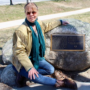 18.04.22 Mustang Sally and Mad Dog at the Samantha Reed Smith Statue