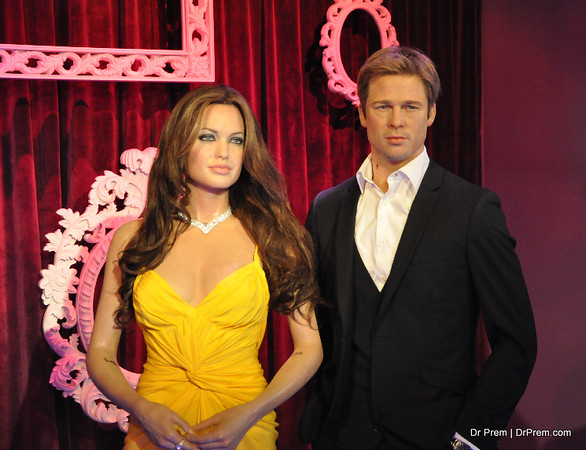 Angelina Jolie and Brad Pitt  at Hollywood's Wax Museum - Madame Tussaud's - A Must Watch in Los Angeles. Both are supercouple of Hollywood. Brad has given 40 successful movie so far whereas Angelina has given 30. His Best movies are Ocean Elevan, Fight Club; Mr.& Mrs Smith and her best are Girl, Lara Croft; Uninterupted and Changeling.
