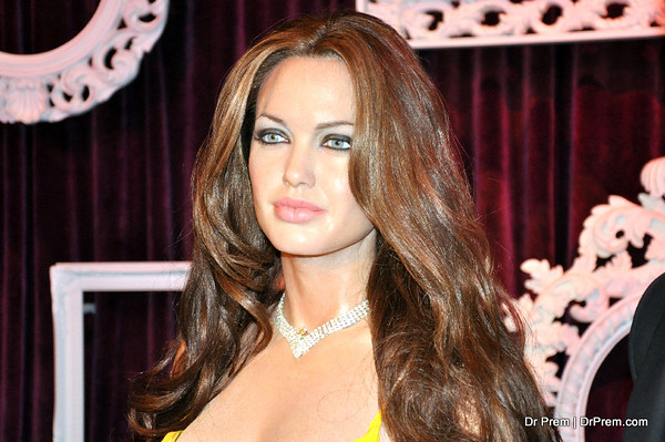 Angelina Jolie - Hollywood's Wax Museum - Madame Tussaud's - A Must Watch in LA