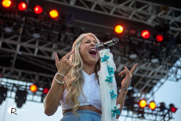 Madeline Merlo  | Sunfest Country Music Festival | Duncan BC