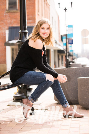 Madelyn Johnson Winter Senior Session 2019 (30)