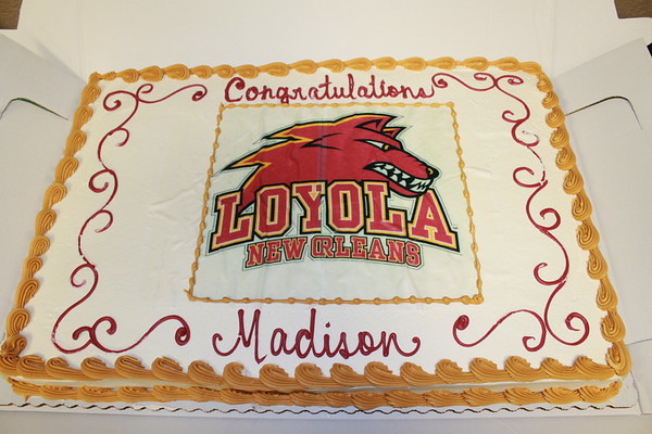 Madison Bates signing to Loyola