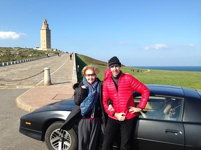 El domingo salió un día de mucho viento pero también de mucho sol. Aprovechamos para recorrer todo el paseo marítimo con el Pontiac, bajo las miradas y las fotos de todos con los que nos cruzábamos. El Firebird fué la estrella del día y el centro de atención. :)