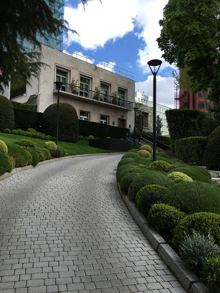 Front driveway to the U.S. Embassy in Madrid