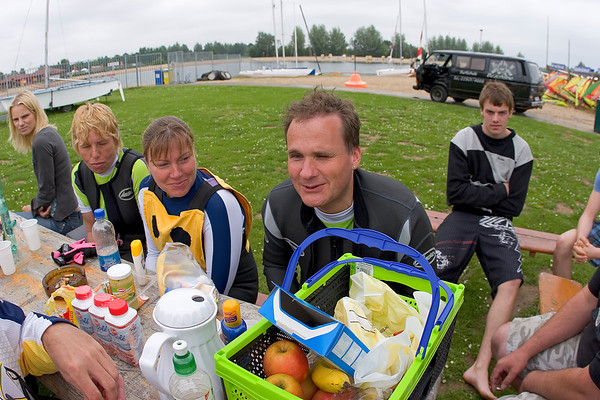 """Magazine - Windsurfing with blind people - """"Face to face"""""""