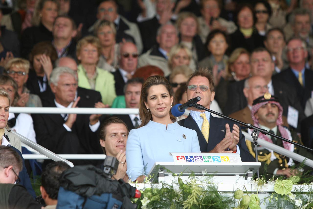 #29-Princess Haya at podium