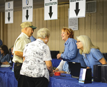 Maurine Weber and Charmayne Howard register members at the 2015 Annual Meeting in Giddings, Tx.