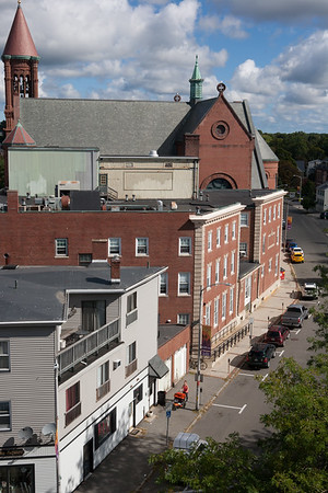 AMY SWEENEY/Staff photo. A view down Essex Street in Beverly from the steeple of the First Parish Unitarian Universalist Church located at 225 Cabot St.<br /> Sept. 15, 2016