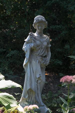 Photo/Reba Saldanha <br /> A statue decorates the garden at 141 Hale Street, Beverly Sept 14, 2016.