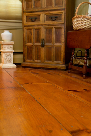Photo/Reba Saldanha <br /> The colonial floor boards, nearly a foot wide, are original to the 141 Hale Street home.<br /> Sept 14, 2016.