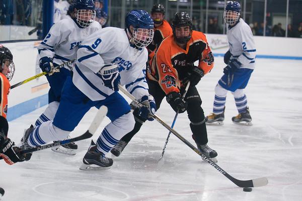 170106_SN_SGo_boyshockey007.jpg Boys hockey