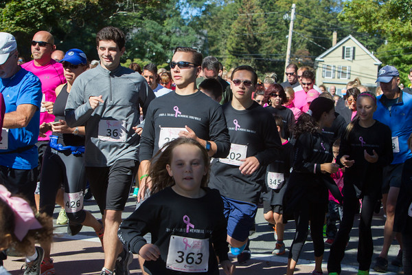 Jared Charney / Photo (L-R) 1at the beginning of  the 6th Annual Lynda J. Talbot 5K run/walk, Sunday, September 21, 2016.