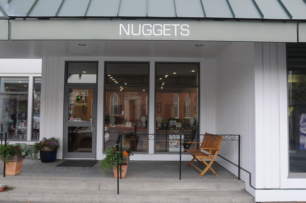 Marblehead:<br /> Nuggets on Atlantic Avenue.<br /> Photo by Ken Yuszkus / The Salem News, Wednesday, October 30, 2013.