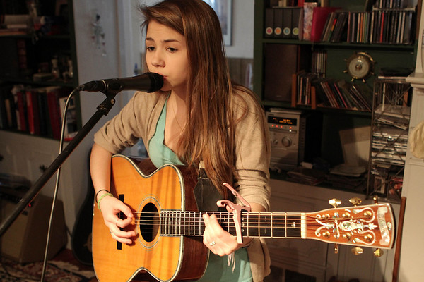 Marblehead's 14-year-old Hayley Reardon is a budding country music star