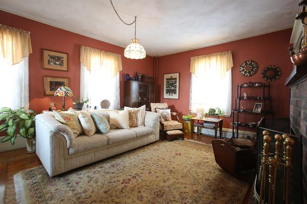 KEN YUSZKUS/Staff photo.    Blair Porter's living room in Marblehead.     2/10/16