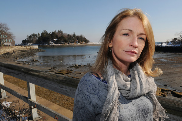 MARBLEHEAD:<br /> Novelist Ann Leary, spent her teen years in Marblehead and her mom and sister still live there. <br /> Photo by Ken Yuszkus/The Salem News, Wednesday, February 6, 2013.