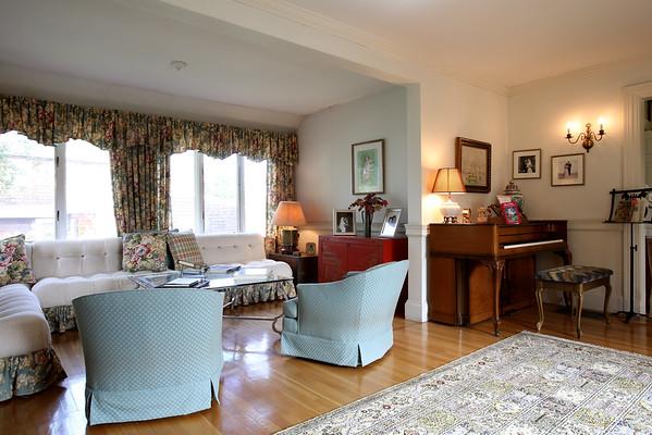 KEN YUSZKUS/Staff photo.  The living room of Phyllis and Jack Karas home.   5/22/15